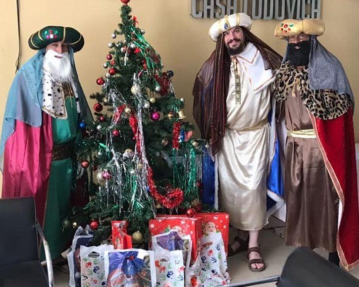 Los Reyes Magos visitaron a los niños del hogar y el hospital
